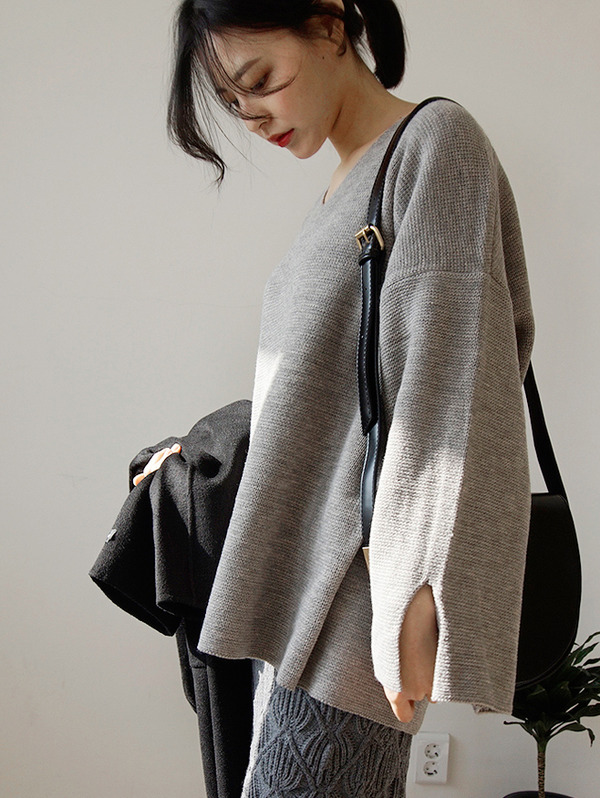 (당일발송) slit V - knit (4color)