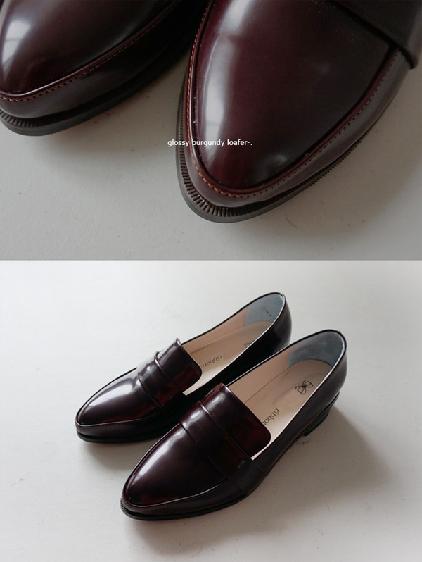 Glossy burgundy loafer